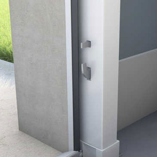 porte-garage-sectionnelle-portillon-serrure-motorisee